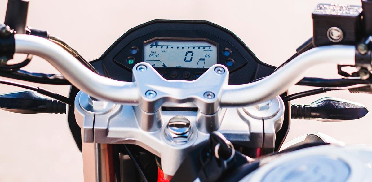 Motocicleta-Z2-vista10